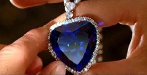 Scène du film avec le diamant bleu